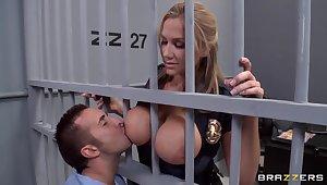 Alanah Rae oversexed as A fuck stranger this muscular prisoner