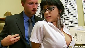 Suckretary likes an obstacle hot desires of her boss