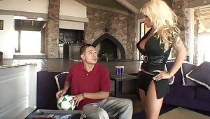 Blonde mom gets drilled at the end of one's tether her step-son