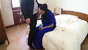 Muslim mom fucks crony's daughters girlassociate cumshot 2