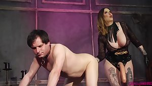 Dude finds himself under the control for a curvy dominatrix prevalent thunder thighs