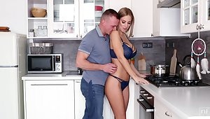 Husband can't resist the temptation to fuck super sexy tie the knot cooking