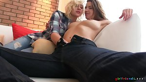 Kinky lesbo babes connected with off their apparel to have a go sex - Eufrat Mai