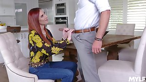 Domineer redhead wants jizz on prospect after such a naughty encounter