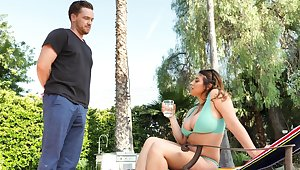 Hardcore dicking wits the pool with miasmic Ella Knox coupled with her BF